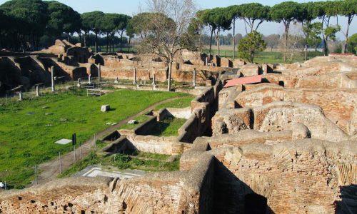 Scavi archeologici di Ostia Antica vicino B&B Domus Gratiae